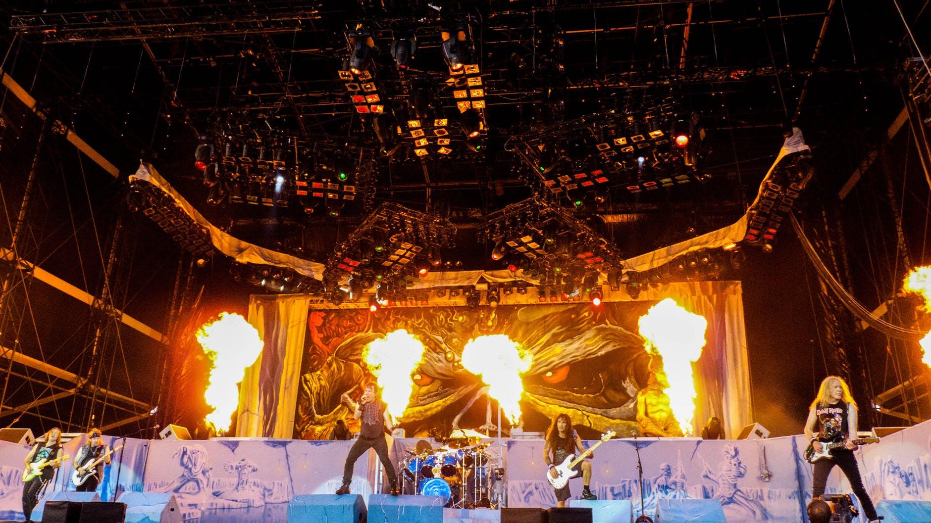 Pyroteknik på scen